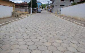 Calçamento da Rua José Mello concluído